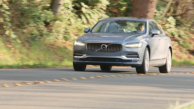 2017 Volvo S90 T6 Inscription Driving Footage