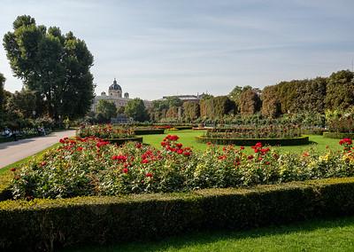 Les allées mènent vers la Hofburg, le château impérial.