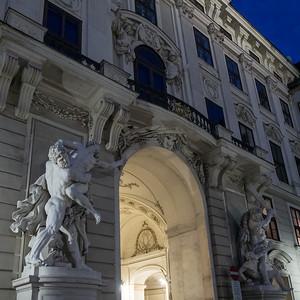 Un des porches d'entrée de la Hofburg