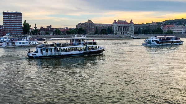 Animation fluviale à Budapest