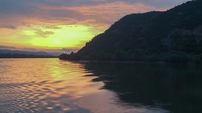 Crépuscule sur le Coude du Danube