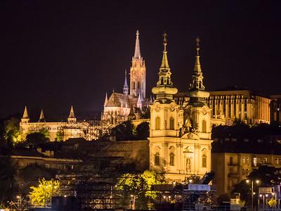 L'église Mathias et le bastion des Pêcheurs sur la colline de Buda