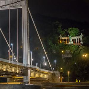 Le pont Élisabeth et le monument Saint-Gellért
