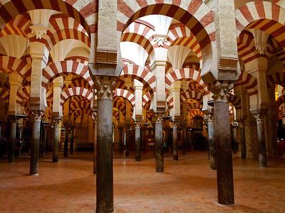 La salle des prières de la mosquée