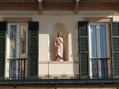 Détail d'une façade à Griante