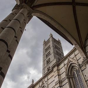 Le campanile du Duomo