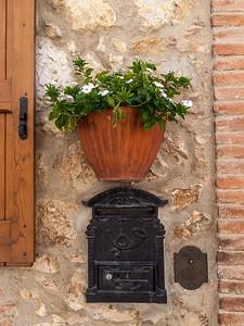 Dans le village de Montefollonico