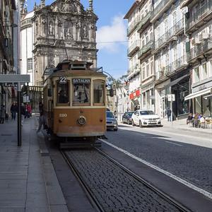 Un tramway aussi à Porto !