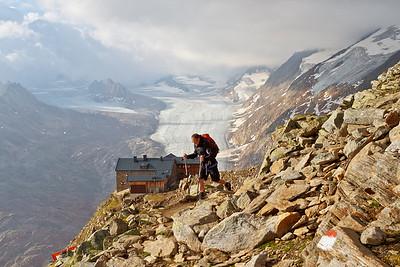 Tweede dag van de huttentocht, start van Ramolhaus naar Martin Busch Hütte 2501m (Samoarhütte).. Rob in beeld met het Ramolhaus op de achtergrond
