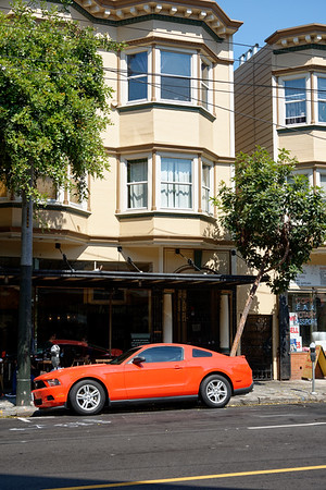 Une Mustang dans Haight Street