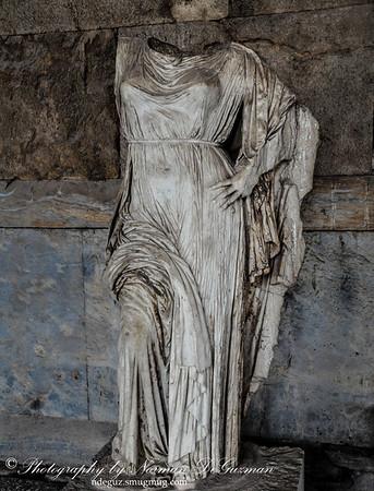 Statues in Stoa of Attalos