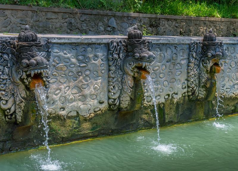 Les bains sacrés de Banjar - Bali - Indonésie