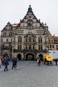 Schlossplatz et Georgenbau