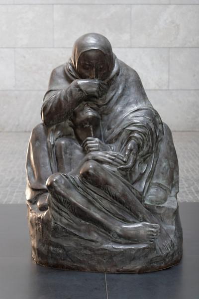 Neue Wache, monument aux victimes de la guerre et de la dictature2