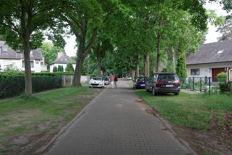 La rue de notre appartement (Gabelweihstrabe) en banlieue de Berlin.