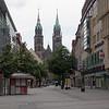 On se dirige vers l'église de la paroisse (Pfaramt) de St-Lorenz.