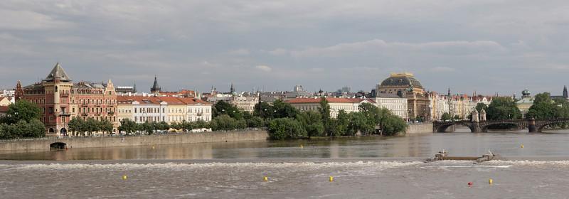 Ville de Prague vue du Pont Charles