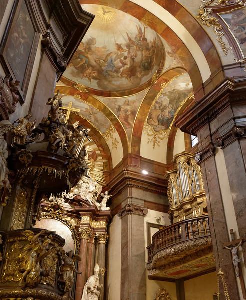Église Saint-Francis intérieur2
