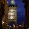 Porte du pont Charles de nuit