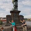 Selon la lgende puisque vous avez touché à la statut de St-Jean-népomucène vous reviendrai à Prague