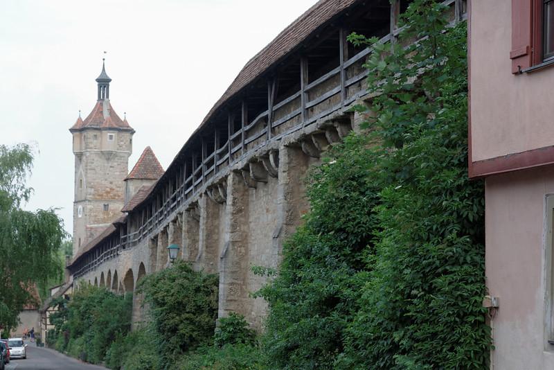Fortifications vues de l'intérieur de la ville de Rothenburg ob der Tauber.