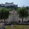 Fontaine de  Neptune et château Festung Hohensalzburg