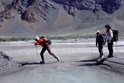 Ladakh: Trek Padum-Lamayuru + Stock Kangri: Ici un passage qui illustre bien la qualité du terrain...