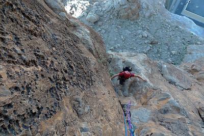 Puis, le rocher dans les dalles est somptueux, on grimpe d'ailleur en dalle en protégeant dans la fissure !