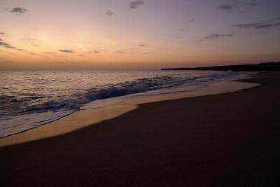 Il faudra attendre le petit jour, l'aube, enfin les premières lueurs...