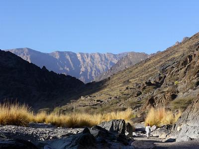 Les lumières vous invitent dès le matin au magnifique... Aujourd'hui nous allons descendre le Snake Canyon, LA référence absolue d'Oman...