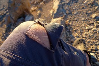 Vous avez dit rocher velcro ? Al Hamra aura eu raison de mon pantalon !