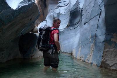 Moment critique 1: il faut abandonner les sacs, il y a trop d'eau ...