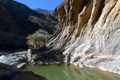 Nous descendons donc Bani Awf et repérons un joli canyon...