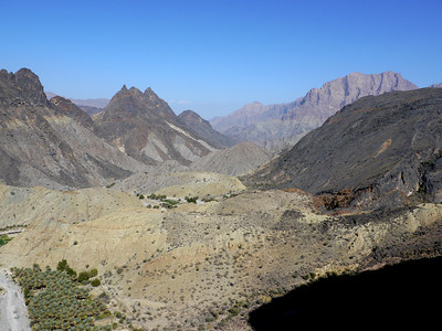 """Le bas du Wadi Bani Awf et ses nombreuses possibilités - Voir la Galerie """"Oman Repérages""""."""