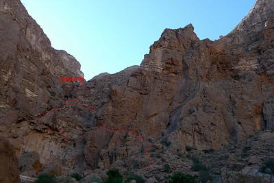 """Wadi Tiwi - Détail de la voie bédouine d'accès de """"Salut Patron""""."""