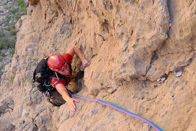 Même si la voie est facile, le rocher est bon et très prisu...