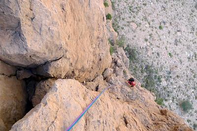 C'est un peu comme une promenade dans une grosse face, avec toujours la sensation agréable de grimper - et même parfois dans du raide !
