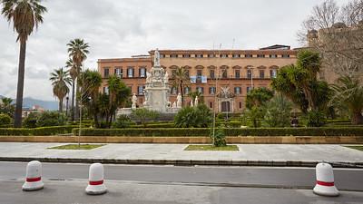 Piazza del Parlamento