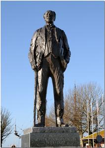 Cornelis Lely, à l'origine de la construction de l'Afsluitdijk, digue fermant l'IJsselmeer..  Ministre chargé des transports et des aménagements hydraulique entre 1891et 1918, il dirige les études et les travaux sur la réalisation de la digue. Il a donné son nom à la ville de Lelystad, construite sur un polder de l'IJsselmeer et capitale depuis 1986 de la province du Flevoland.