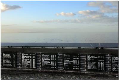 Vue sur la mer: la mer donne, la mer prend...(4)