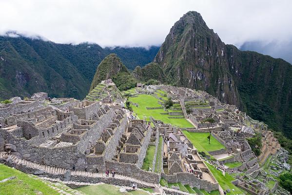 Le Machu Picchu surplombé du Huayna Picchu