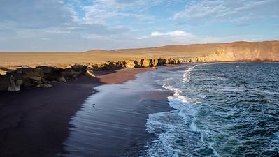 Red beach, Paracas, Perou