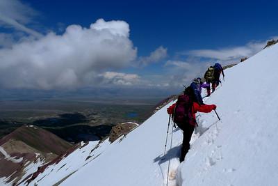 Pic Lénine, Kirghizstan: Ici l'acclimatation au Pic Petrovski à 4800m