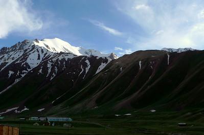 Le Pic Petrovski, 4825m
