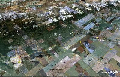 Vue d'ensemble du Népal: KTM en haut à droite, Népalgunj à l'opposé, puis Dunai et le sommet.