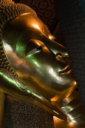 Lying Buddha in Wat Pho - Bangkok Bouddha Couché à Wat Pho - Bangkok