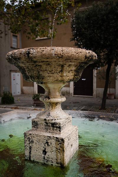 Pitigliano. Fontaine.