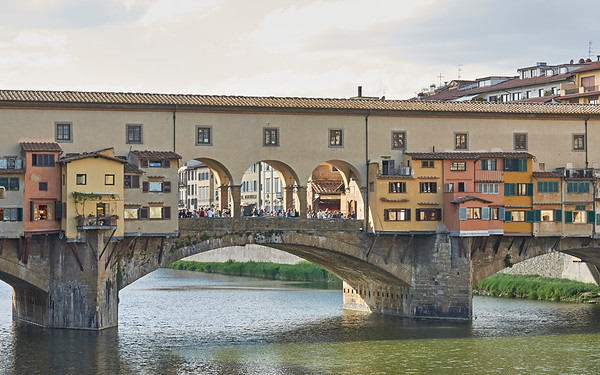 L'Arno, ses ponts, ses rives