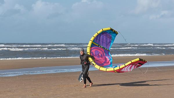 Wandeling op strand, tussen Bloemendaal-Aan-Zee en Zandvoort