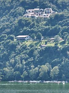 Lago di Lugano - Vue depuis Morcote vers notre résidence à Cuasso Al Monte (Italie)